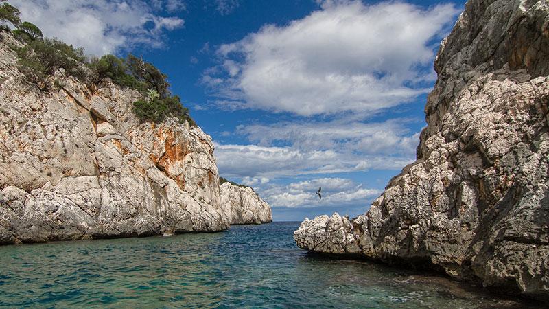 Linea Rossa - Escursione Motonave Sardegna